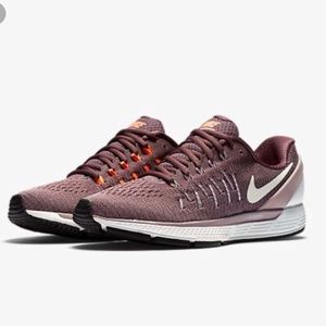 Nike Air Zoom Odyssey 2 purple running shoes